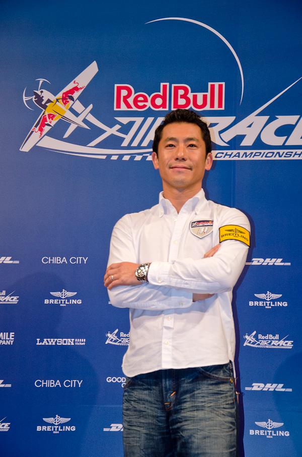 アジア唯一のレッドブル・エアレーサー室屋義秀選手
