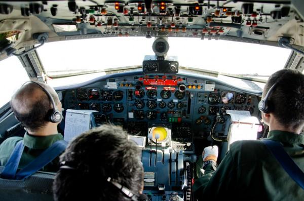 飛行中のコクピット
