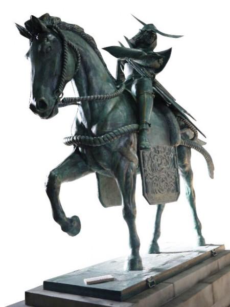 BASARA伊達騎馬像
