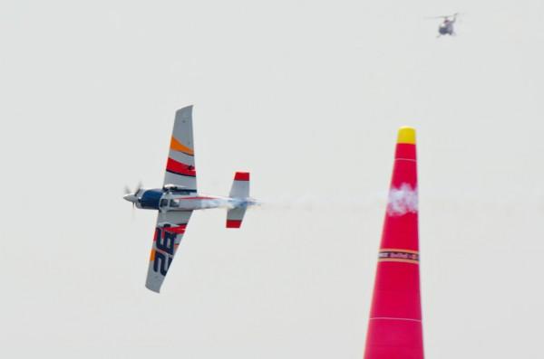 ベラルデ選手と中継用ヘリ