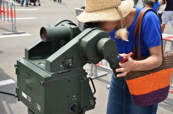 目視照準具も操作できる