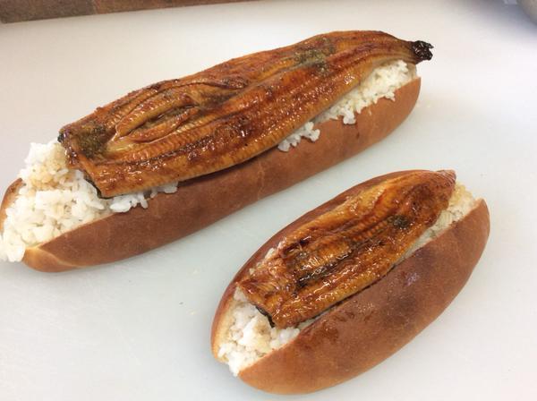 『うなぎパン』だと!?異彩を放つ翠玉堂の名物パンがとにかく凄い