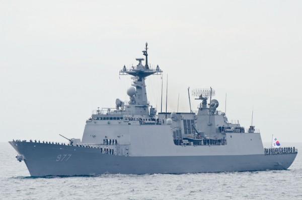 韓国海軍駆逐艦デ・ジョヨン(DDH-977)