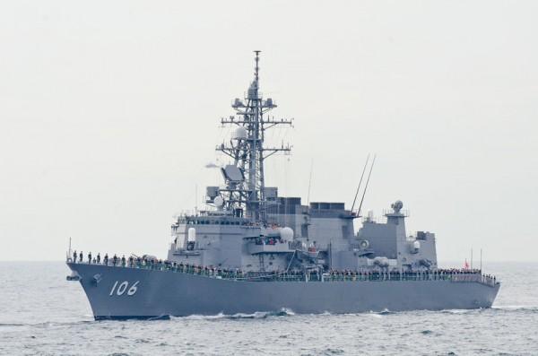 受閲第2群・護衛艦さみだれ(DD-106)