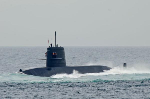 受閲第4群・潜水艦うずしお(SS-592)