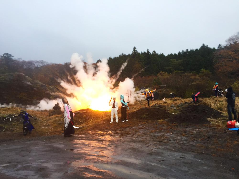 爆破撮影が1回1500円!?特撮でお馴染みの爆破シーンがコスプレ撮影できる!