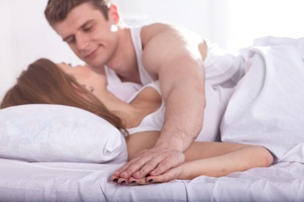 ベッドシーンのイメージ