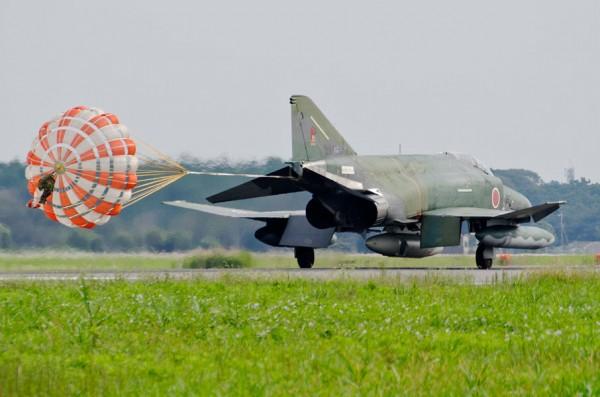 RF-4EJのドラッグシュート