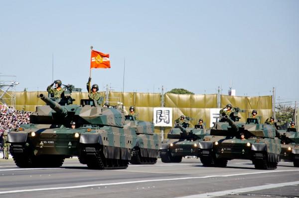 戦車隊の敬礼