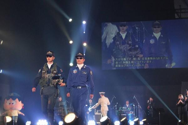 自衛官制服ファッションショー01