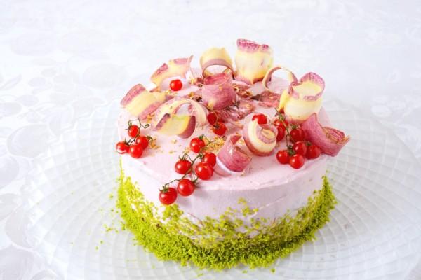 コーラルピンクのベジデコサラダ