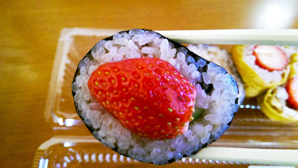 栃木が放つチャレンジグルメ「いちご寿司」に俺たち試されてる