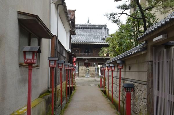 倉吉・大蓮寺の参道