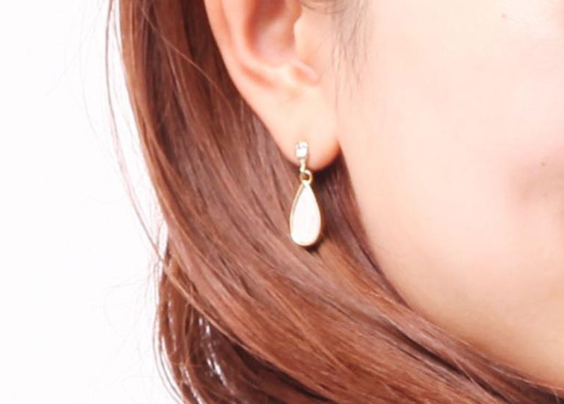 都市伝説「耳から白い糸」はほんと?ピアス穴の手入れに関するあれこれ