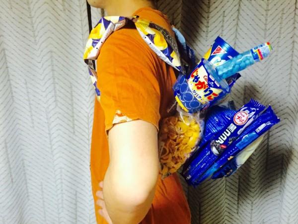 お菓子リュック横からのイメージ