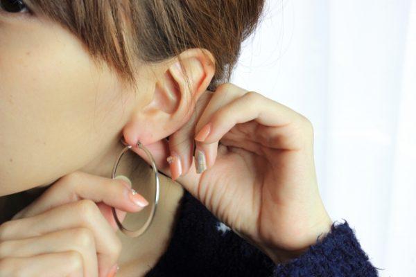 片耳にピアス