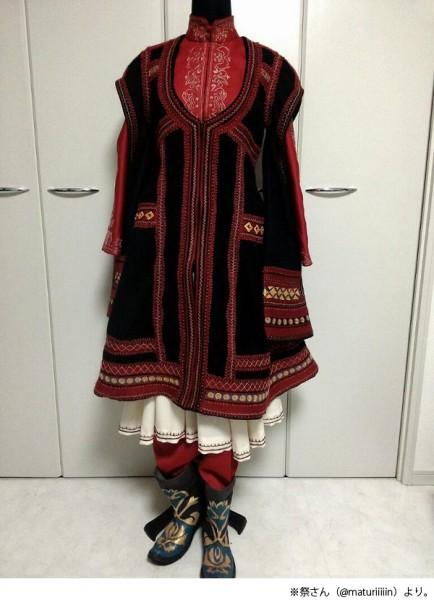 制作途中のアミル衣装