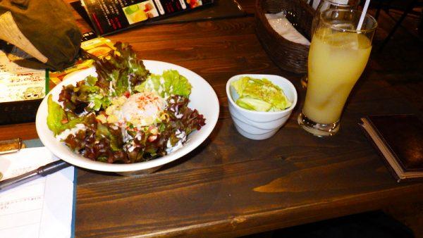 トリガーハッピーサラダと塩キャベツ