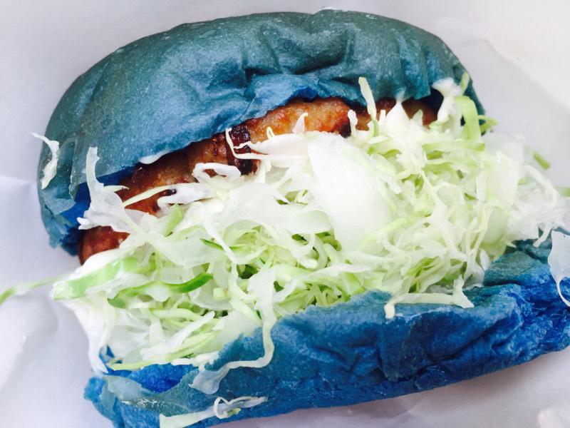 食欲減退グルメと話題の岡山・倉敷「デニムバーガー」食べてきた