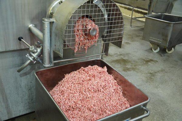 ひき肉ができていきます