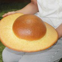高知名物「ぼうしパン」 元祖が放つ実寸サイズの「デカ帽子」…