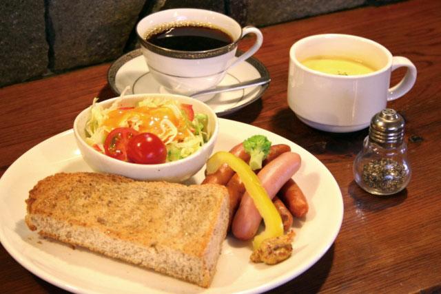 充実した朝外食で仕事モードをオンにする「スマート朝族」 現代の朝外食事情をマクドナルドが調査