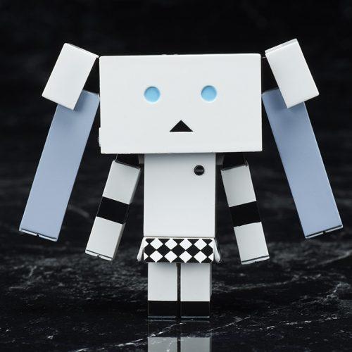 あずまきよひこデザインの『ミス・モノクローム ダンボーver.』が商品化