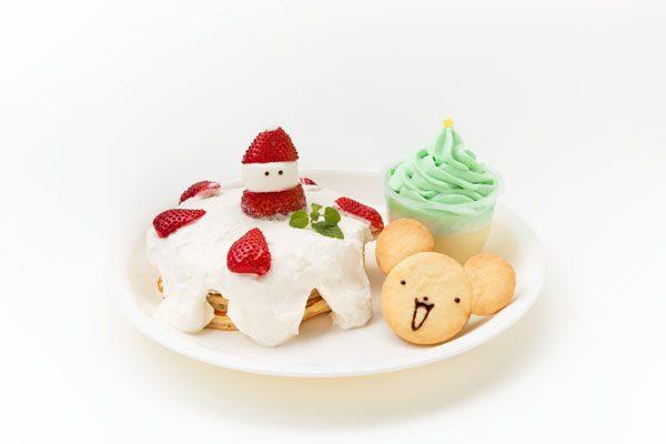 ケロちゃんをかたどったクッキー付きのクリスマスプレート