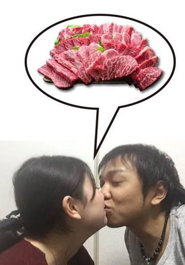 肉屋で夫婦が「チュー」すると素敵にステーキ5割引き 「夫婦チュー割」