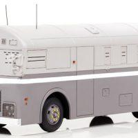 昭和の機動隊車両「カマボコ」がミニカーに 火炎瓶が乗らない工…