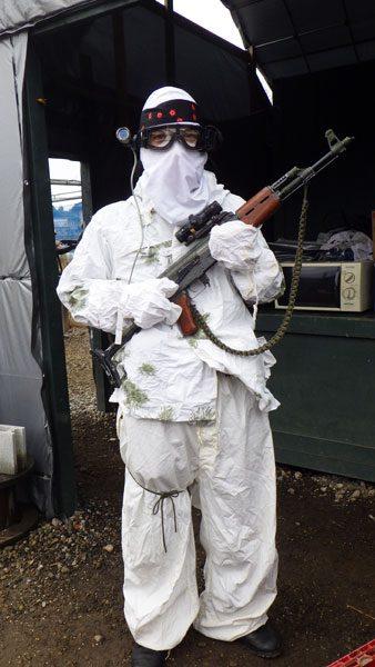 ドイツ連邦軍の雪迷彩で白づくしの扮装