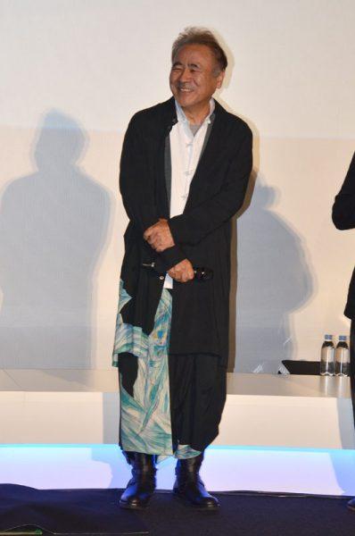 天野氏はGroundYの服で登場