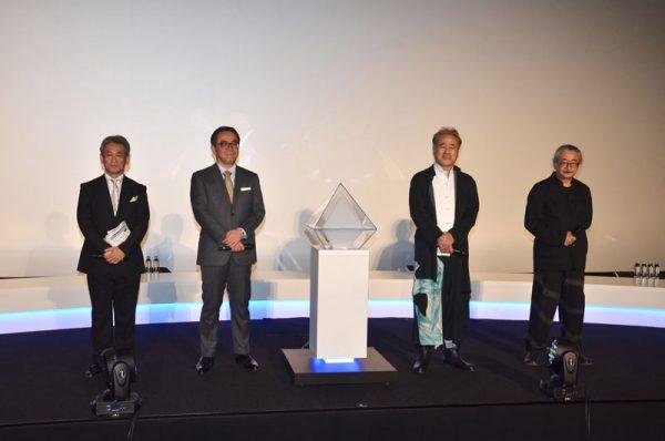 左から橋本統括プロデューサー、松田社長、天野氏、植松氏