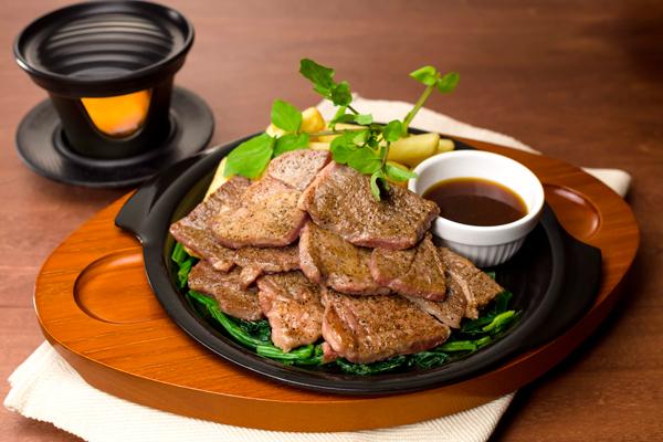 これはお肉のショータイムやー!ガストで『ビーフカットステーキ』フェア開催