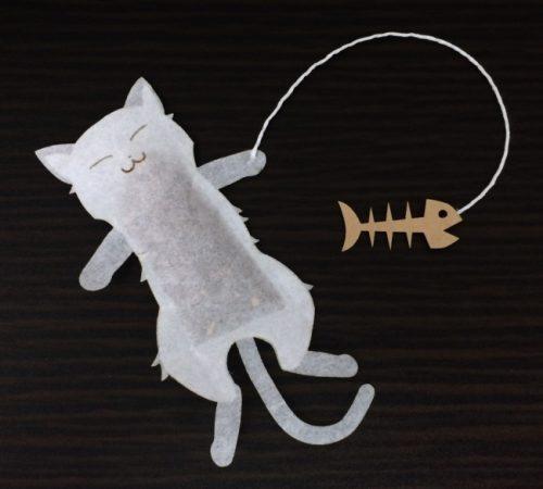 ゆら~り 猫が寝そべってくつろぐティーバッグが可愛い