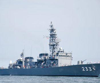大湊を母港とする護衛艦ちくま
