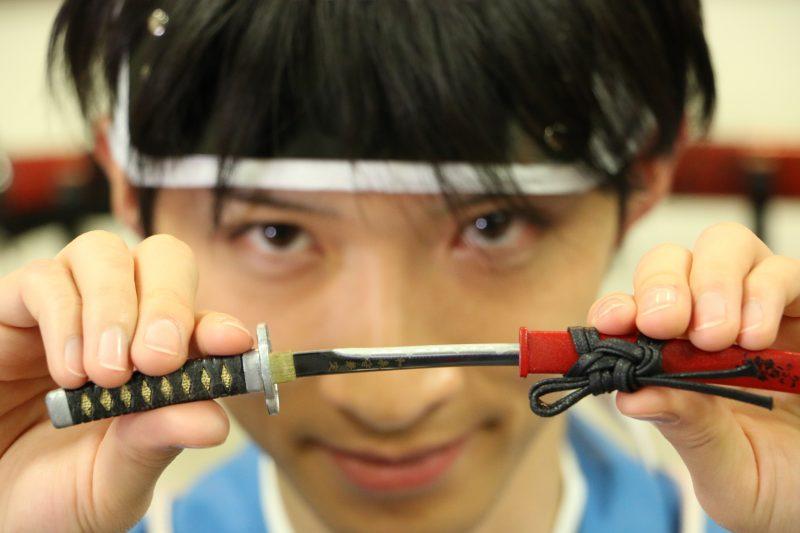 圧切長谷部と陸奥守吉行モチーフに関刃物職人が刃付けした『名刀ペーパーナイフ』一般販売へ