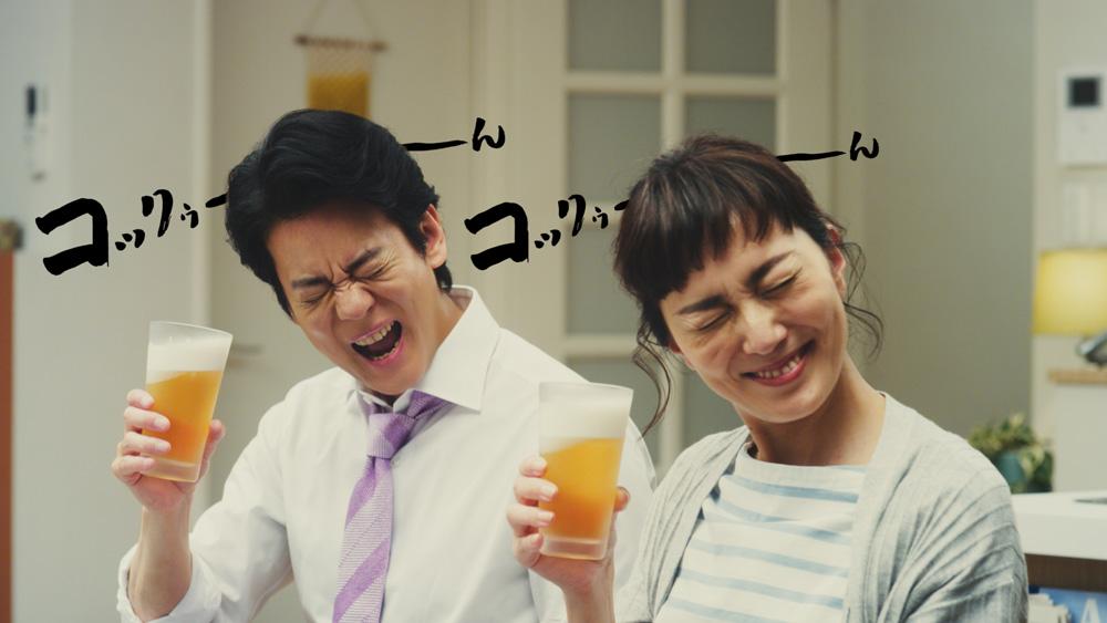 唐沢寿明と板谷由夏が『絶頂夫婦』でコックゥ~ん!
