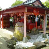 境内はハートだらけ!『恋命』を祀った全国唯一の恋木神社に行っ…