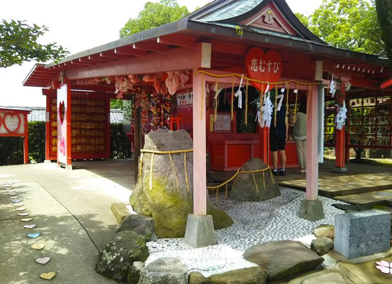 境内はハートだらけ!『恋命』を祀った全国唯一の恋木神社に行ってみた