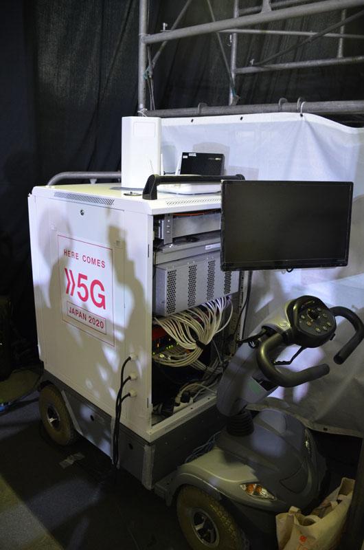 会場に設置された5G基地局
