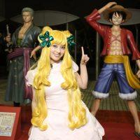 橋本環奈が『ワンピース』マンシェリー姫のコスプレを披露!