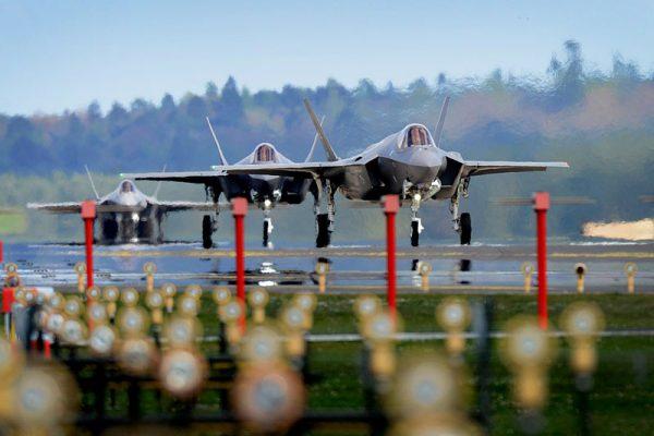 嘉手納基地に配備される第34戦闘飛行隊のF-35A(PHOTO: USAF)