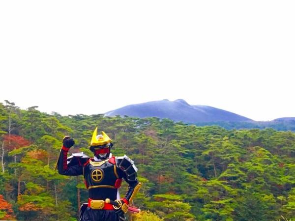 「霧島は元気やっど!」薩摩剣士隼人が拡散希望 新燃岳噴火以降の観光客減少を伝える