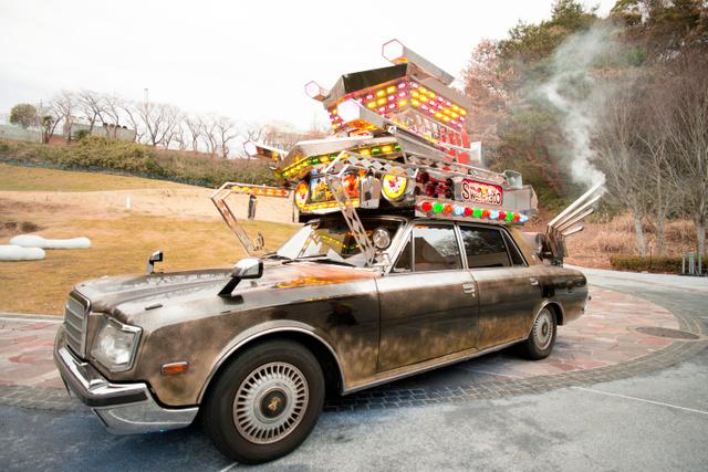 超ド派手な焼き芋屋台 デコトラ風焼き芋販売車『金時』のクリスマスイブに密着