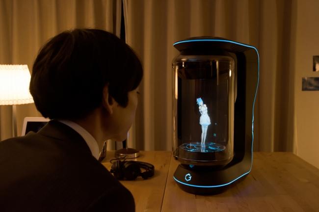 キャラクターと共同生活ができるバーチャルホームロボット「Gatebox」 初音ミクも参戦