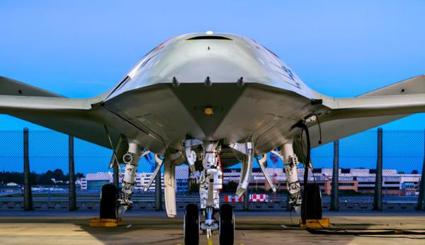 ボーイングがアメリカ海軍の無人空中給油機・MQ-25スティングレイの候補公開