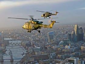 イギリス陸軍のヘリコプター・リンクスがロンドン上空をラストフライト((c) Crown copyright 2018)