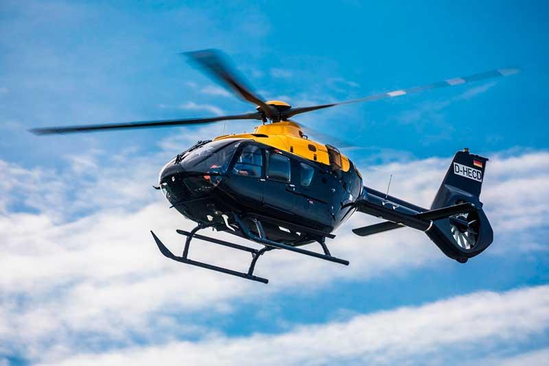 エアバス、1300機目のH135ヘリコプターを納入