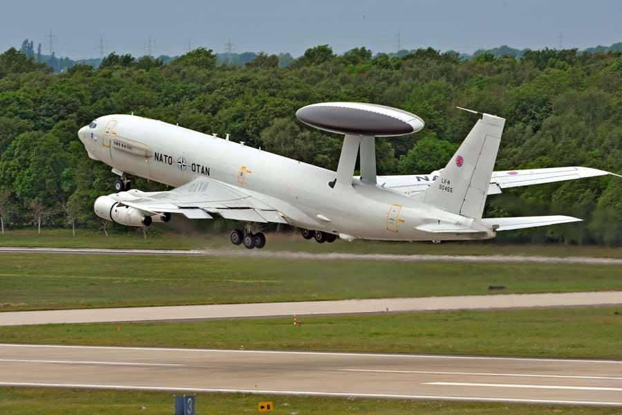 カナダ、NATOのAWACSプログラムに復帰
